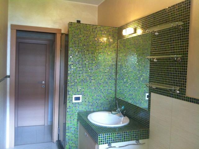 Costruzioni civili azienda edile milano e provincia varese - Bagno moderno mosaico ...